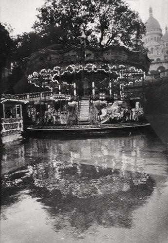 Manege sous la pluie, Montmartre, 1997