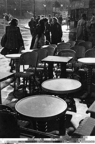 Les tables, Paris 1952
