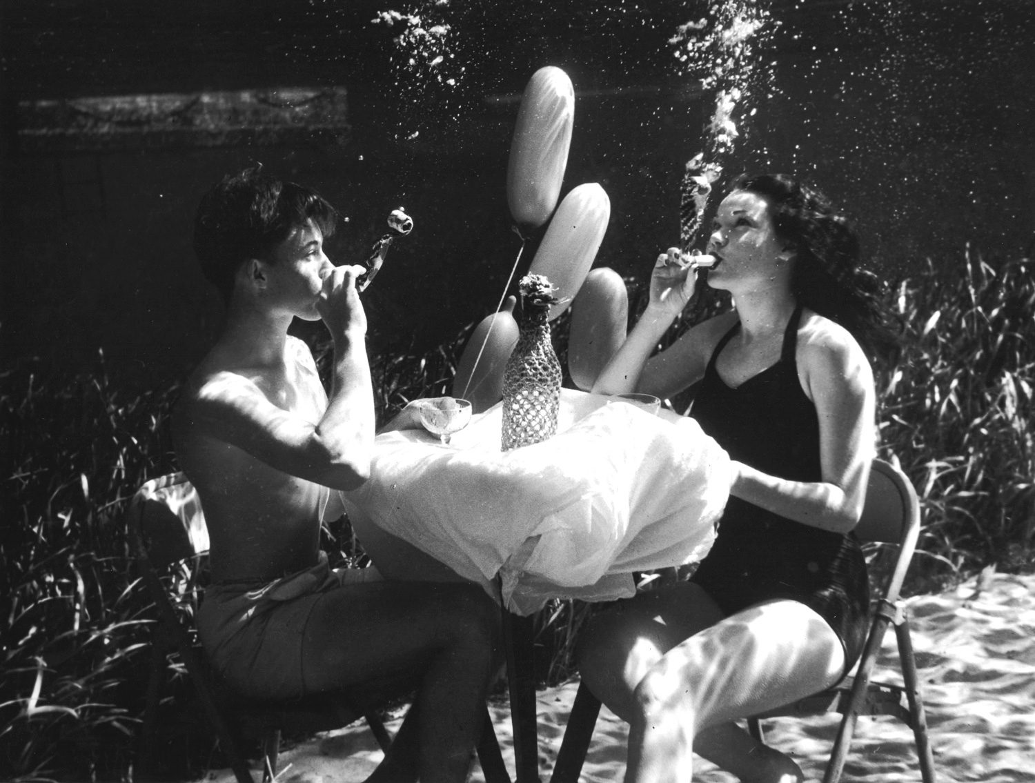 Silver Springs Underwater (party couple)