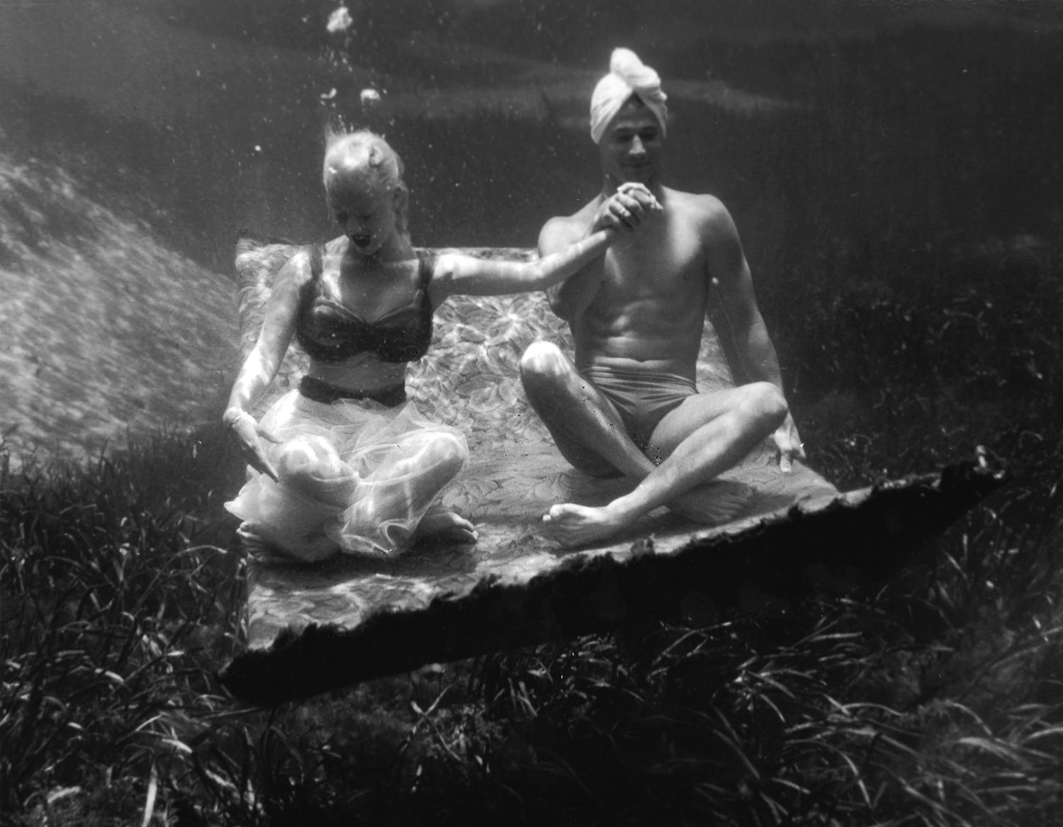 Silver Springs Underwater (Magic Carpet Holding Hands)