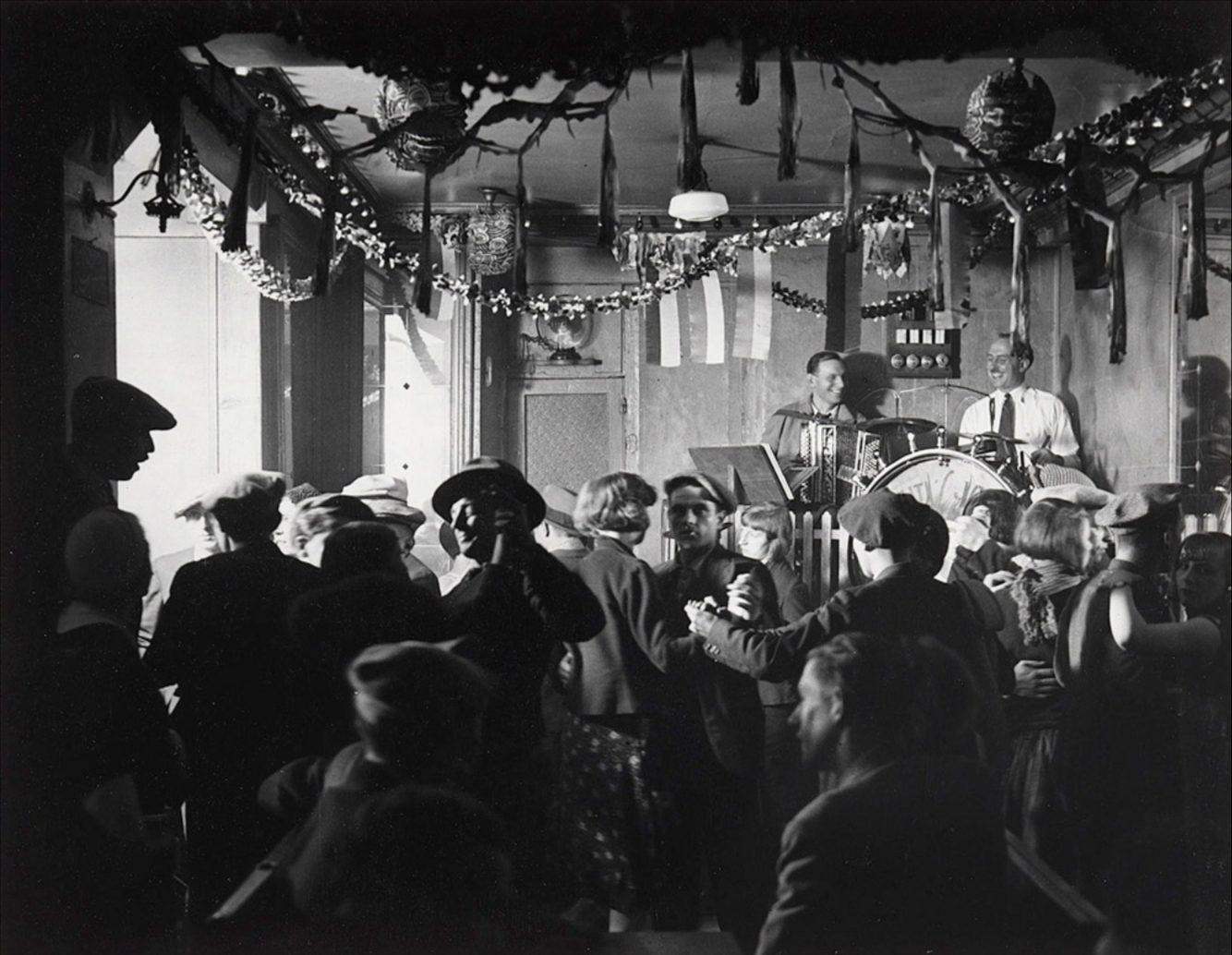 Le Bal de Quatre-Saisons, Rue De Lappe