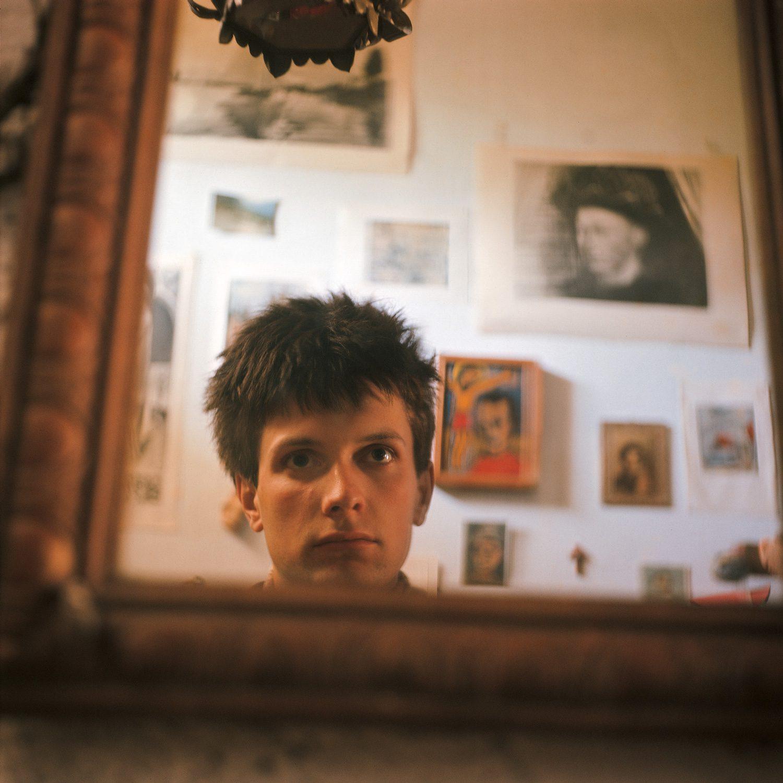 Autoportrait dans le miroir - Les Temps d'Avant