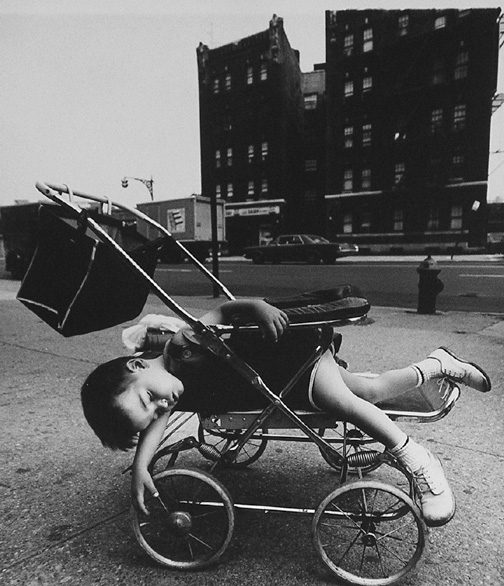 A child rest in its carriage NY - Bronx
