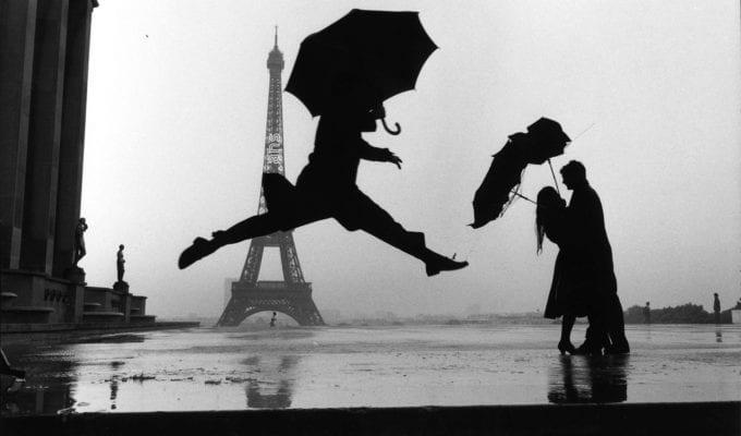 Elliott Erwitt, Paris, France (Umbrella Jump)