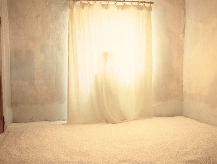 Bernard Faucon, Chambre En Hiver, Le Fantome
