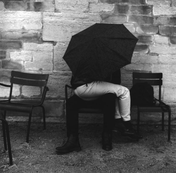 Louis Stettner, Couple Kissing Under the Umbrella