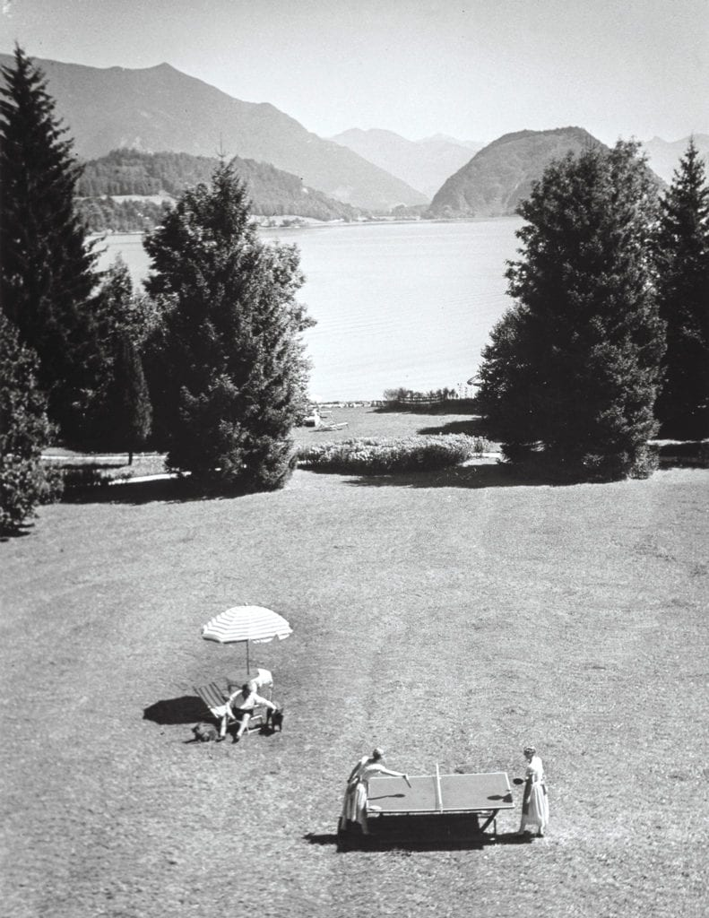 Alfred Eisenstaedt, Emil Jannings and family on vacation, Wolfgangsee, Austria
