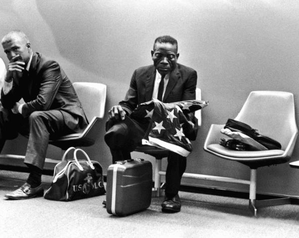 Harry Benson, Grieving Man with Flag, Washington DC