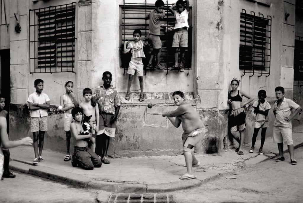 Walter Iooss, The Corner, Havana, Cuba, 1999