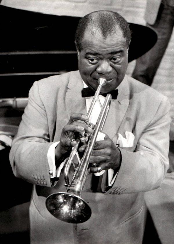 Keystone Press Agency, Louis Armstrong playing trumpet in Hamburg