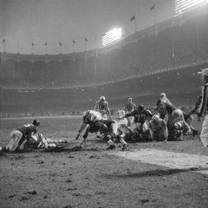 Neil Leifer Alan Ameche scoring winning touchdown, Baltimore Colts vs New York Giants, 1958
