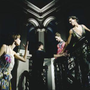 Stairwell/Chevron/2003