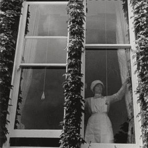 Bill Brandt, Parlourmaid at Window in Kensington