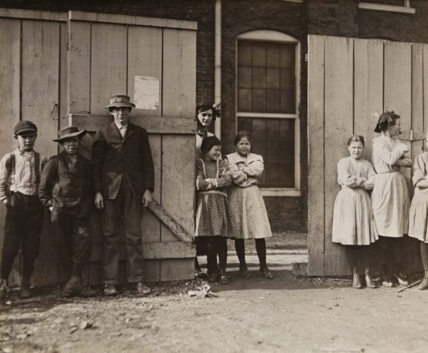 Lewis Hine, These are all workers in Richmond Hosiery, Rossville, Georgia