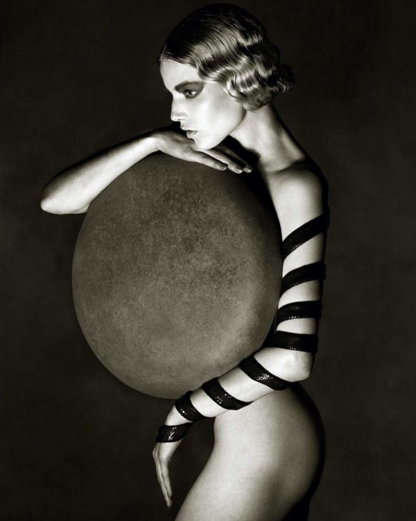 Albert Watson, Suvi Koponen with Disc, New York City, 2012