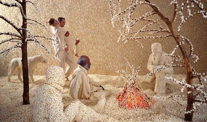 Sandy Skoglund, Raining Popcorn