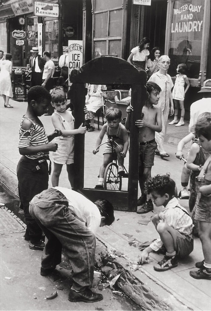 Helen Levittt, Children with Broken Mirror, New York