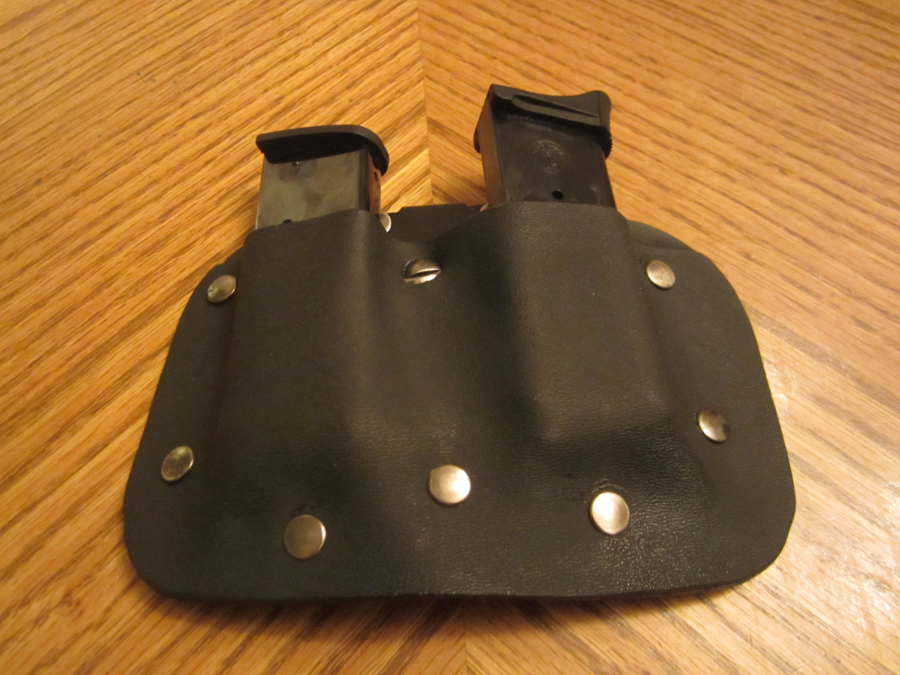 Double Mag Pouch for sub-compact handgun