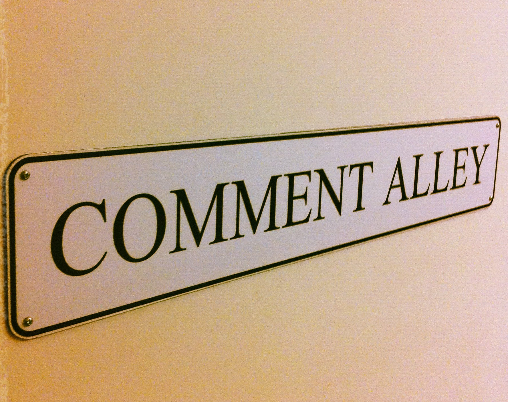 Creating Constructive Commenters