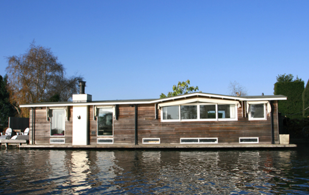 Koduvahetuse riik Holland,Amsterdam, 10k, S, Noord Holland,A floating house on the river Vecht!,Home Exchange Listing Image