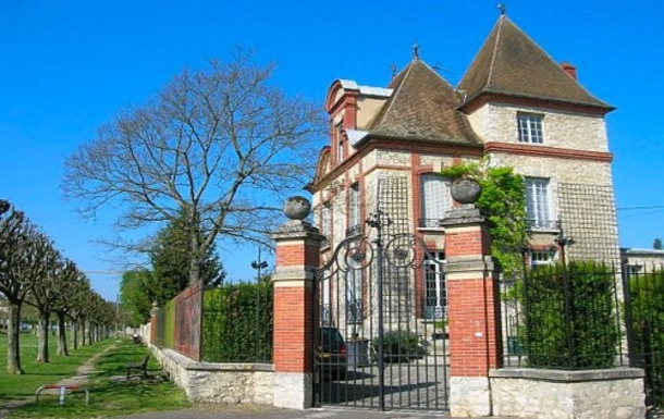 Boligbytte i  Frankrike,Moret-sur-Loing, FONTAINEBLEAU, Île de France,3 Story Home with Charm and Character,Home Exchange & House Swap Listing Image