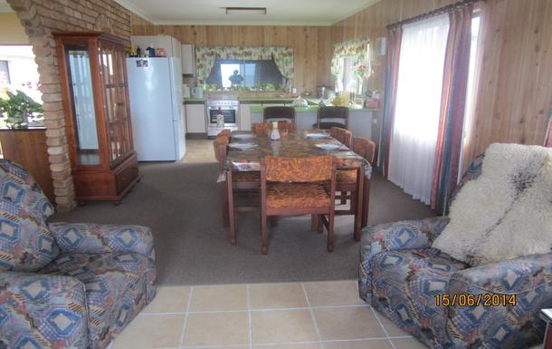 Home exchange in,Australia,EMU PARK,dining room