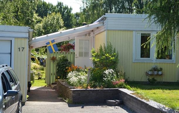 Échange de maison en Suède,Mölnlycke, Västra Götaland,Hus med en grönskande trädgård.,Echange de maison, photos du bien