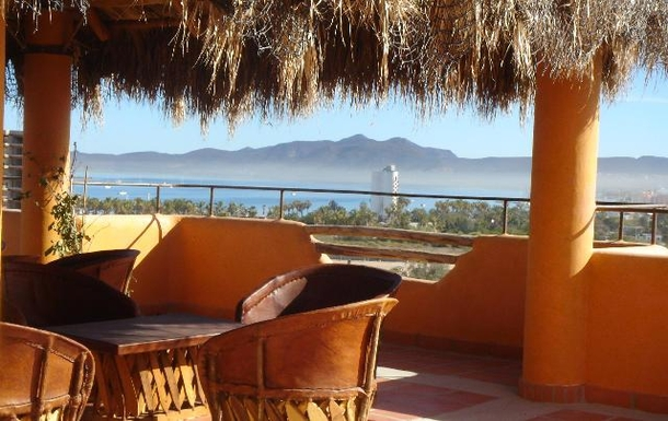 BoligBytte til,Mexico,La Paz,Palapa on tower top; hot tub, BBQ, add'l seating