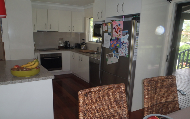 Home exchange in,Australia,ALEXANDRA HEADLAND,Kitchen