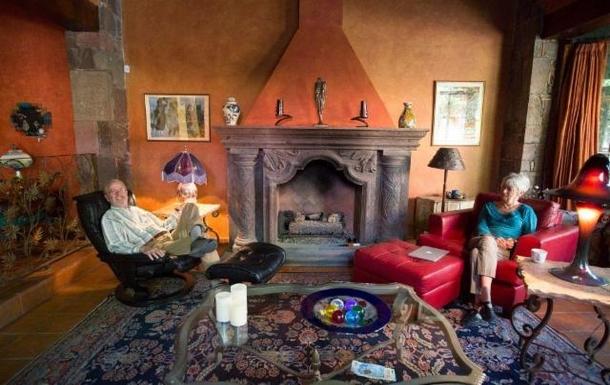 BoligBytte til,Mexico,San Miguel de Allende,living room fireplace