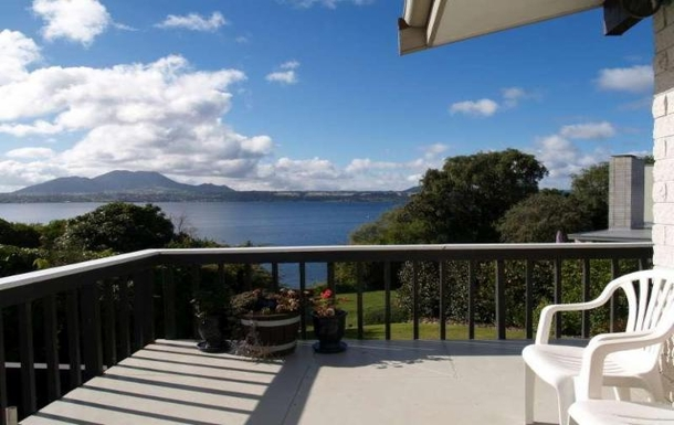 Kodinvaihdon maa Uusi-Seelanti,Taupo, Waikato,Lakeside house on Lake Taupo,Home Exchange Listing Image