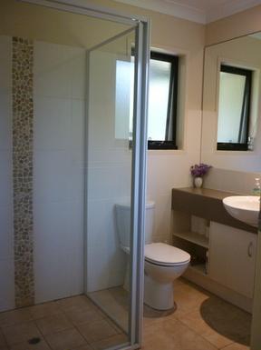 Home exchange in,Australia,OCEAN SHORES,Master bedroom ensuite