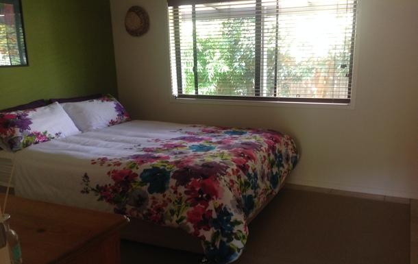 Home exchange in,Australia,OCEAN SHORES,Bedroom 3 - queen size bed