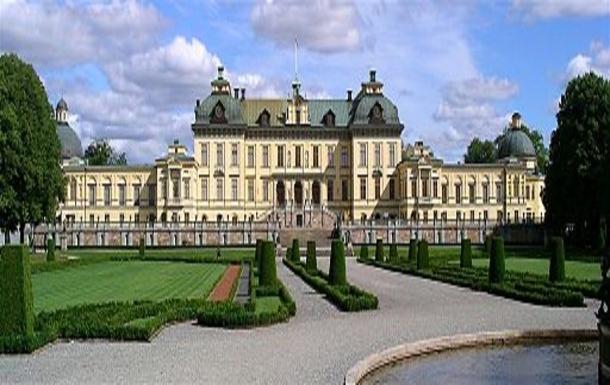 BoligBytte til,Sweden,Stockholm, 30k, NW,Royal castle Drottningholm. Est 10 k away from hou