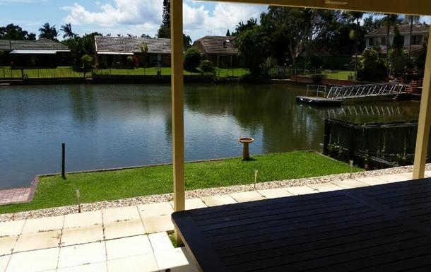 Home exchange in,Australia,Currumbin Waters, Gold Coast,Side aspect of waterfront