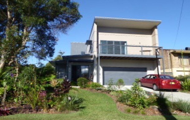 Home exchange in,Australia,VINCENTIA,Front  with exchange car