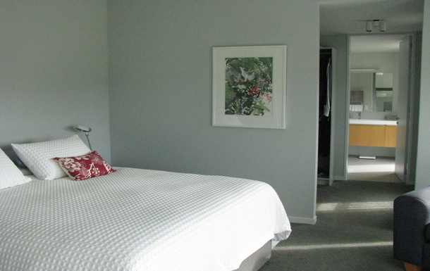 BoligBytte til,New Zealand,RD 1 WAIKANAE,KING SIZE MAIN BEDROOM THROUGH WARDROBE TO ENSUITE