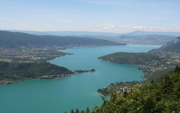 The Annecy lake. The purest lake in Europe !