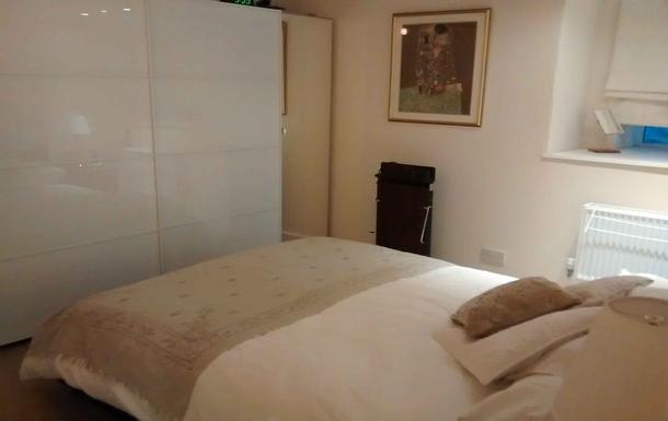 BoligBytte til,United Kingdom,Edinburgh centre,Master bedroom with bathroom nextdoor