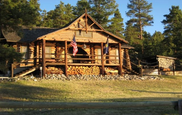 Home exchange in,United States,Helena,Front view of the cabin