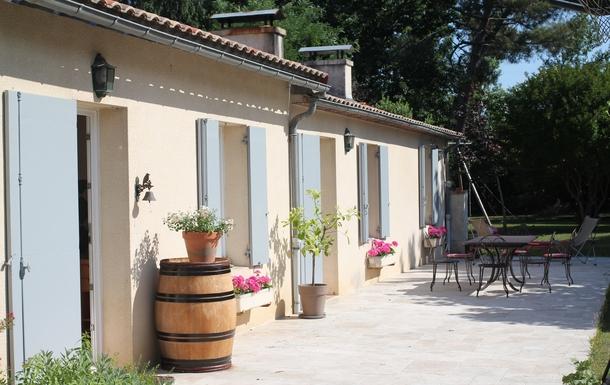 la terrasse et la maison