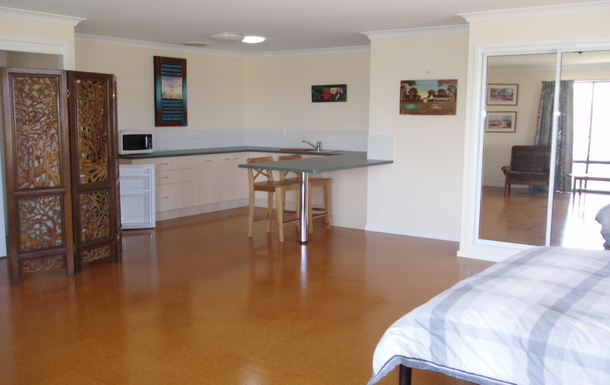 Home exchange in,Australia,Branyan Bundaberg,Large, self contained bed sitter upstairs, with ki