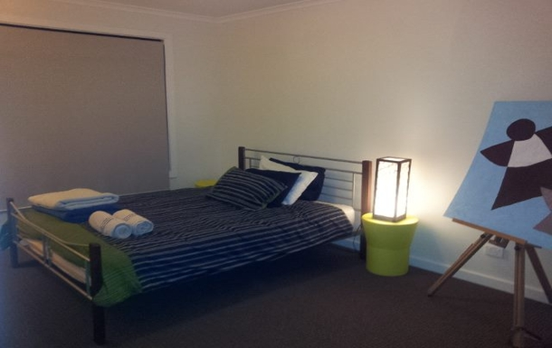 Home exchange in,Australia,MOOROOLBARK,2nd bedroom with queen sized bed