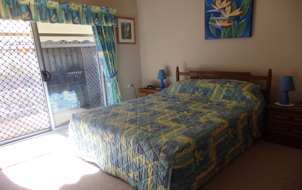 Home exchange in,Australia,PARREARRA,Guest Bedroom has its own TV and Queen Size Bed
