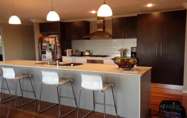 Home exchange in,Australia,Tamborine Mountain,Upstairs kitchen