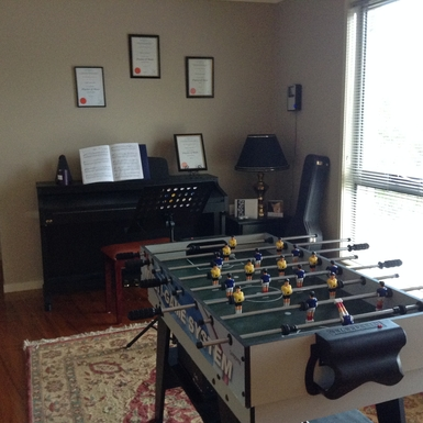 Home exchange in,Australia,Tamborine Mountain,Games room/ piano