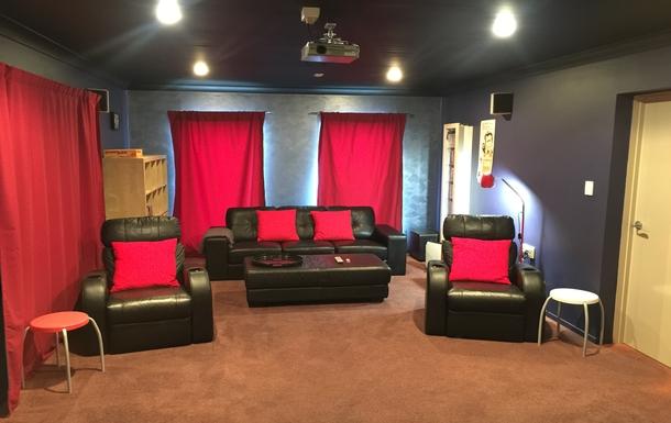 Home exchange in,Australia,Tamborine Mountain,Home cinema