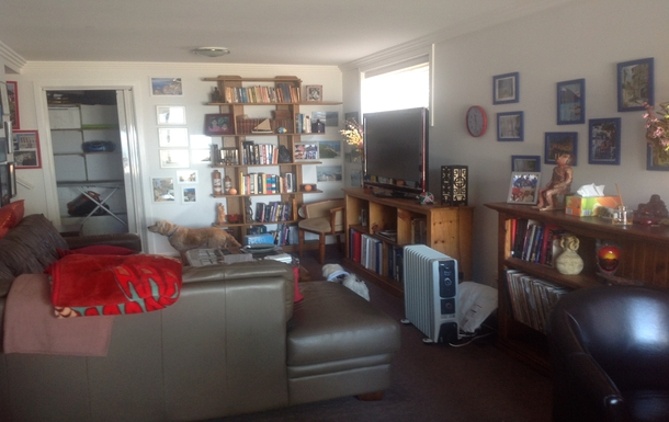 Home exchange in,Australia,LAKE HEIGHTS,downstairs lounge / rumpus