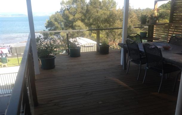 Home exchange in,Australia,LAKE HEIGHTS,upstairs verandah with access from bedroom/lounge