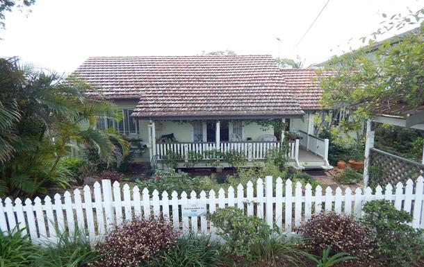 Home exchange in,Australia,Brisbane, 10k, N,CHARMING COTTAGE IN QUIET SUBURB CLOSE TO BRISBANE